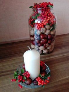 Autumn decorations from walnuts, chestnuts and berries. - Deco 2019 - Autumn decorations from walnuts, chestnuts and berries. Autumn Decorating, Porch Decorating, Fall Decor, Holiday Decor, Diy Birthday Decorations, Table Decorations, Advent Candles, Wooden Cutouts, Deco Floral