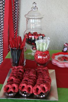 How cute is this for your little bug's party.  Find more ladybug themed ideas at http://www.countrykitchensa.com/idea/birthday/ladybug/31/163 and products at http://www.countrykitchensa.com/catalog/searchresults.aspx?Description=ladybug.