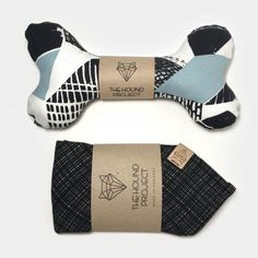 The perfect choice for busy pet parents. With our city box you get two lovely products and the added excitement of unwrapping. Available in a cool selection of stunning, cotton fabrics to make sure all pet pawrents find their favorite. Hound Dog, Recycled Fabric, Dog Accessories, Dog Toys, Cotton Fabric, Parents, Fabrics, Stylish, City