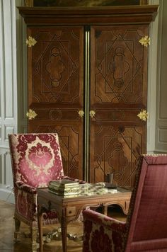 """town-country-wasping:  """"Château de Digoine, French filmmaker Jean-Louis Remilleux's antique filled home  """""""