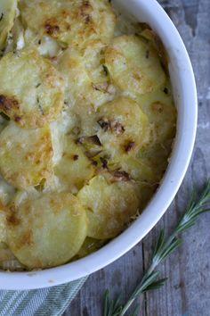 Aardappelgratin met prei, knoflook en rozemarijn - Brenda kookt