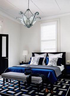 Busca imágenes de Recámaras de estilo moderno en negro: . Encuentra las mejores fotos para inspirarte y crea tu hogar perfecto.