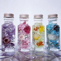 【2本セット価格】ミニハート瓶ハーバリウム ハンドメイドのフラワー/ガーデン(プリザーブドフラワー)の商品写真