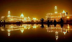 People look at illuminated buildings that house the country's main government offices, during Republic Day in New Delhi, India, Tuesday, Jan. Amazing Photography, Art Photography, Photography Projects, Cities, Night Pictures, India Tour, Seven Wonders, Republic Day, India Travel