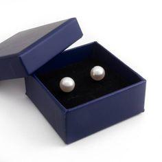 Stijlvolle zilveren parel oorknopjes met witte zoetwaterparels van ca. 7 - 7,5 mm koop je bij Aurora Patina, de no. 1 in klassieke sieraden.