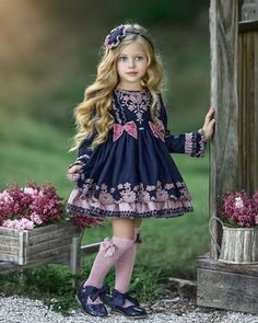 Diy Crafts - europeanfashion,Europeanstyle-Love this dress so much from la_amapola_aci Fall/Winter collection falltrends, europeanfashion , Europe Baby Girl Fashion, Toddler Fashion, Kids Fashion, Little Girl Dresses, Girls Dresses, Flower Girl Dresses, Little Girl Models, Baby Dress Patterns, Outfits For Teens