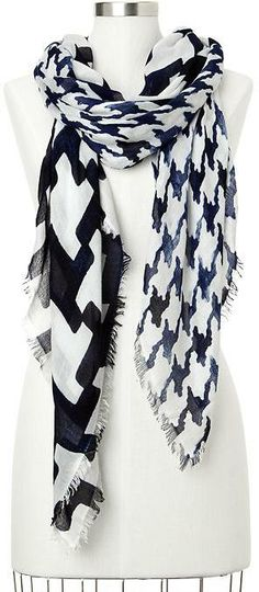 Mixed houndstooth scarf