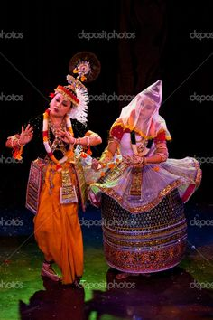 Indian classical Dance: Manipuri (based on the theme of divine love of lord Krishna and Radha) Art Forms Of India, India Art, Indian Classical Dance, Classical Music, Form Drawing, Northeast India, Dance World, Folk Dance, Dance Lessons