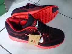 "Tersedia dalam berbagai macam ukuran:      40-43  Harga:      Rp. 250.000  Kode: Sepatu Lari Nike Running 5F  Format Pemesanan:      ""nama_kode_ukuran_alamat pengiriman"". Contoh: (Ahmad Basuki_Sepatu Lari Nike Running 5F_40_Jl.Asem Gede no.29 Kragilan 04/07 Condong Catur Depok Sleman Yogyakarta 55283). kirim sms ke 085643625655 Nike Running, My Style, Running Shoes Nike"