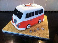 VW Van Cake Volkswagen, Vw Bus, Car Cakes, Biscuit Cake, Cake Boss, Hippy, Cookie Decorating, Beetle, Trailers
