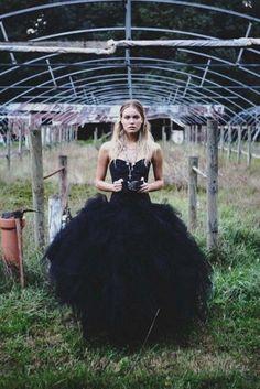 31 Magnificos Vestidos De Novia Negros Para Bodas Diferentes Black Wedding DressesBlack
