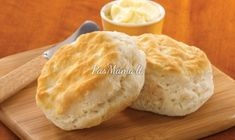 Pre-baked Southern Style biscuits in a thaw, heat, and serve format from Pillsbury™. Formulated to produce light and fluffy 2 ounce biscuits with a clean, butte Southern Biscuits, Breakfast Of Champions, Quick And Easy Breakfast, Cake Flour, Down South, Southern Style, Brunch Recipes, Cooking Tips, Favorite Recipes