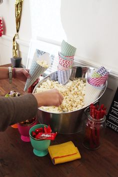 little mr moo: max's movie premier party- DIY popcorn cones Sleepover Party, I Party, Party Time, Popcorn Cones, Popcorn Bar, How To Make Popcorn, Pop Corn, Barbie Birthday, Star Wars Birthday
