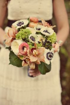 Fall City Hall Wedding in Oregon | Ruffled