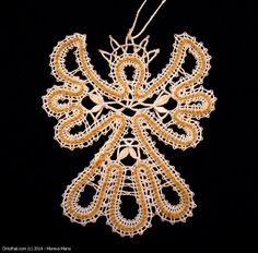 Angel - lace souvenir, Vologda bobbin lace Bobbin Lace Patterns, Lacemaking, Lace Heart, Lace Jewelry, Lace Ribbon, Ribbon Crafts, Wedding Humor, String Art, Lace Detail