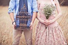 Está pensando em fazer um casamento no campo? As celebrações ao ar livre deixam os casais ainda mais apaixonados. E tem sido uma grande tendência entre as noivas. E para ajudar temos 17 dicas que vão te guiar para organizar um casamento no campo do jeitinho que você sonha!