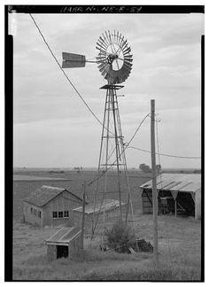 GENERAL VIEW OF ELI WINDMILL ON STEEL TOWER ON HIGHWAY L44 IN IOWA JUST EAST OF NEBRASKA CITY, NEBRASKA. - Kregel Windmill Company Factory, 1416 Central Avenue, Nebraska City, Otoe County, NE.