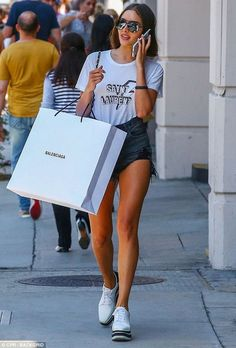 Retail therapy: Olivia Culpo was in full fashionista mode while shopping in Beverly Hills on Saturday Olivia Culpo, Celebrity List, Celebrity Style, Laura Harrier, Stella Mccartney Platform, Charles Swindoll, Bella Hadid Style, Instagram Models, Look Chic
