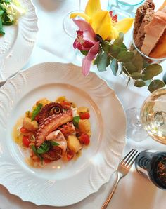 Luxury Lunch in Florence - Hotel Savoy, Florence Tuscan Bean Soup, Florence Hotels, Traditional Italian Dishes, Grilled Octopus, Beef Fillet, In Season Produce, Fresh Bread, London Restaurants, Great Desserts