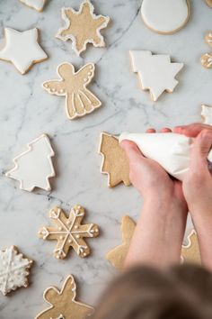 Making frosting: tips for decorating cookies, pies and Co. - Icing myself make cookies-decorating-pastry-bag-christmas - How To Make Frosting, How To Make Cookies, How To Make Cake, Frosting Tips, Icing Tips, Easy Royal Icing Recipe, Royal Icing Sugar, Cake & Co, Eat Cake
