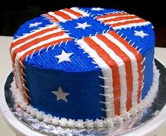 Fourth of July cake yummm! Fourth Of July Cakes, Fourth Of July Food, 4th Of July Party, July 4th, Patriotic Desserts, 4th Of July Desserts, Cupcake Icing, Cupcake Cakes, Cupcakes