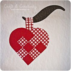 Scandinavian Christmas: The Christmas Heart   http://blog.kanelstrand.com/2011/12/scandinavian-christmas-christmas-heart.html