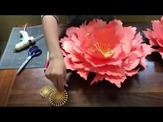 Free paper flower tutorial by Seattle Giant Flowers. cornflower. - YouTube