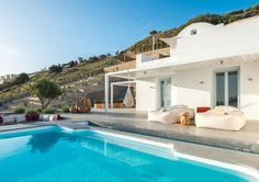 Santorini Heights || Located near the traditional village of Pyrgos, Santorini Heights offers 4 luxurious suites with spectacular view over the Aegean Sea, each with a private pool.
