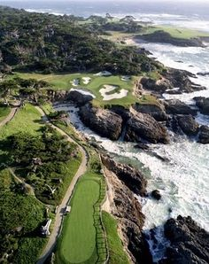 I want to golf here! French Heart: The Magic Rune of Carmel-by-the-Sea~ Pebble Beach Golf Course Public Golf Courses, Best Golf Courses, Augusta Golf, Golf Course Reviews, Carmel By The Sea, Golf Tips For Beginners, California Dreamin', Pebble Beach, Play Golf