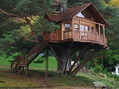 3 Unique Ideas To Build Tree House Architecture : Tree House Ideas. building a house,green environment,tree architecture design,tree house building,tree house ideas Outdoor Buildings, Cool Tree Houses, Beautiful Tree Houses, Amazing Houses, Amazing Buildings, Tree House Designs, Forest House, Cabins In The Woods, Log Homes