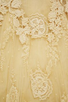 Vintage Lace Wedding Dress ~ Design House: Raudnitz and Co. - Huet and Chéruit (French), Circa 1900 Antique Lace, Vintage Lace, Vintage Yellow, Irish Crochet, Crochet Lace, Yellow Aesthetic Pastel, Fru Fru, Linens And Lace, Irish Lace