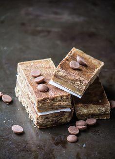 Healthy Homemade Cookies & Cream Protein Bars | ediblesoundbites.com #vegan #glutenfree