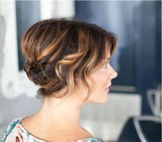 Un'altro splendido raccolto per #capellicorti! www.danielasposa.it #matrimonio #sposa