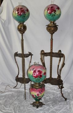 Inspirational methods that we completely love! Victorian Table Lamps, Victorian Lighting, Antique Lighting, Vintage Lamps, Hurricane Oil Lamps, Creative Lamps, Antique Oil Lamps, Large Lamps, Retro Lamp
