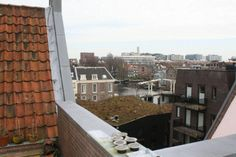 Roof terrace with a view over Amsterdam. (Vierwindenstraat 1013 CW Amsterdam | Expat Housing)