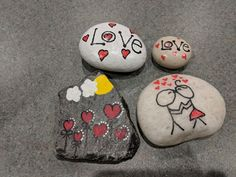 Cute Crafts, Diy Crafts, Hand Painted Rocks, Bible Crafts, Love Craft, Rock Painting, Rock Art, Valentines, Inspire