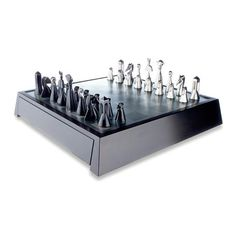CHESS SET Design:	Zoltan Popovits