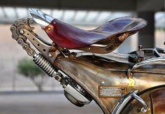 #custom #vespa #cool #detail http://www.pulsar-project.com/el/motorcycles-el/chimera-el https://www.facebook.com/PulsarProject/info
