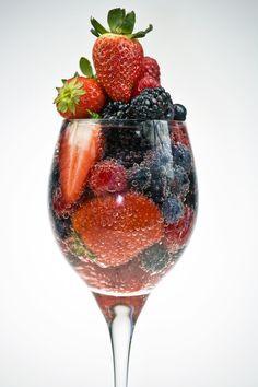 Un reste de salade de fruits ? Pensez à en faire une soupe de fruits dans un peu de champagne !