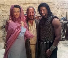 'The Dovekeepers' Spoilers: Cote De Pablo Poses in Full Costume With Co-Stars Mido Hamada & Manuel Cauchi [VIDEO]