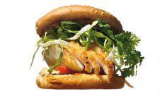 Fisch-Burger mit Limetten-Chili-Dressing