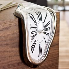 Relógio Surrealista