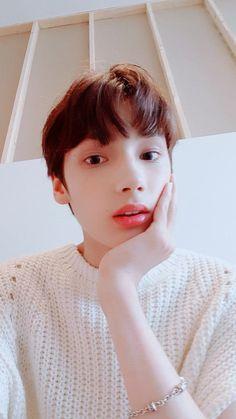 His first Selca after being revealed Kai, Foto Bts, Jikook, K Pop, The Dream, Shared Folder, Twitter Update, K Idols, Pop Group