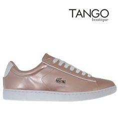 Sneaker Lacoste 32SPW0113 CARNABY Κωδικός Προϊόντος: 32SPW0113 CARNABY PINK GOLD Χρώμα Ροζ χρυσό Εξωτερική Επένδυση Δέρμα Εσωτερική Φόδρα Υφασμα Πατάκι Υφασμάτινο με Ortholite®  Μάθετε την τιμή & τα διαθέσιμα νούμερα πατώντας εδώ -> http://www.tangoboutique.gr/.../sneaker-lacoste-32spw0113...  Δωρεάν αποστολή - αλλαγή & Αντικαταβολή!! Τηλ. παραγγελίες 2161005000