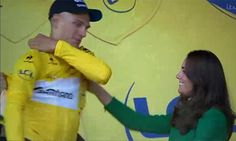 Kate awards German cyclist Marcel Kittel with his yellow jersey