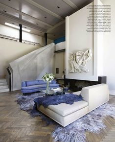 Elle Decor September 2015 6 Best Rooms with Decorative Rugs Decor, Decorating Coffee Tables, Decoracion De İnteriores, Decorating Bookshelves, Decorative Pillows, Decorating With Plants, Decoracion De Salas Modernas, Decorated Jars. #decor #coffeetables #decoratingbookshelves #decoratedjars