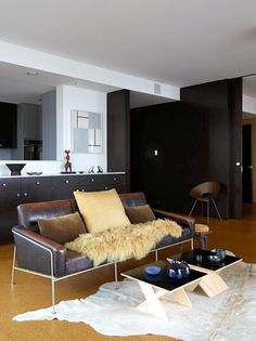 See more of BoydDesign's San Francisco Nob Hill Apartment, 1961 on 1stdibs