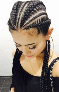 Cool 49 Super Cute And Creative Cornrow Hairstyles Ideas You Can Try Today. More at http://aksahinjewelry.com/2017/12/29/49-super-cute-creative-cornrow-hairstyles-ideas-can-try-today/