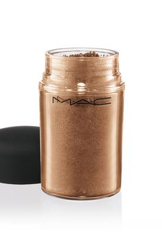 Loving how vibrant this gold Mac pigment is!