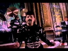 Stevie B - Dreamin Of Love (another 80s song that rocked at least in Hollywood clubs! this is b4 ppl knew what Bass was. \o/